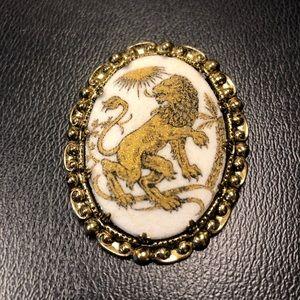 Vintage Rampant Lion Cameo  Brooch Pin